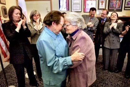 2 octogenarias serán la primera pareja gay en casarse en California