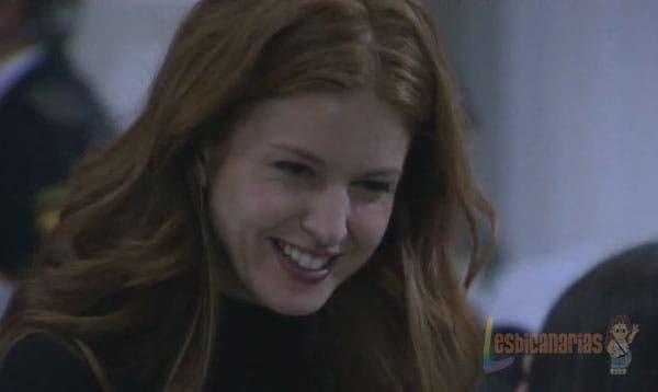 Silvia sonriendo en Los Hombres de Paco