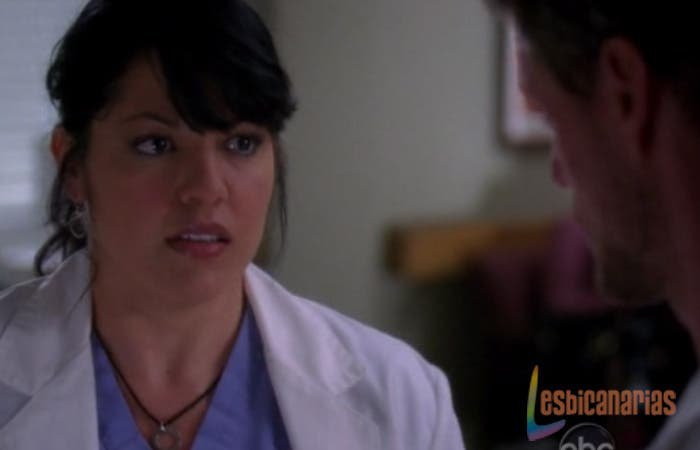 Callie Torres mirando a Mark
