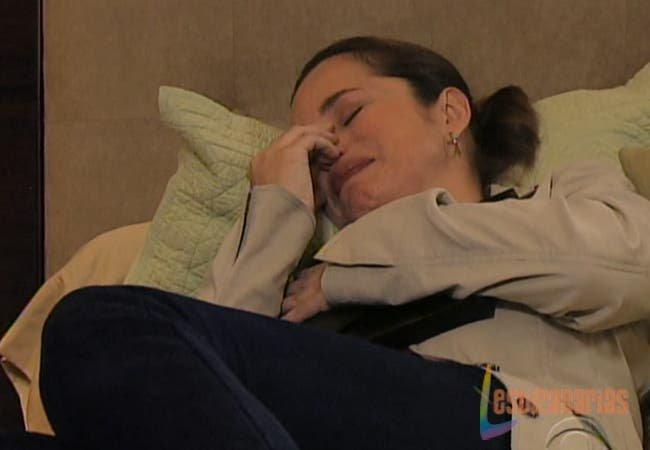 Olivia llorando