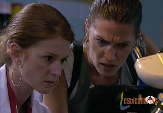 Pepa y Silvia trabajando