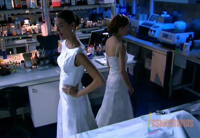 Pepa y silvia vestida de novias