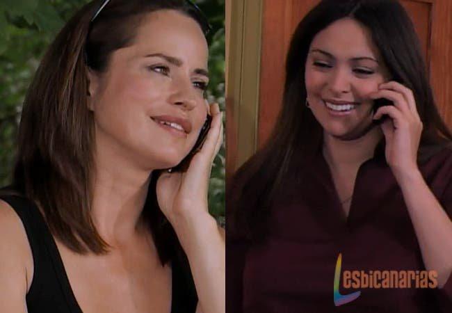 Olivia y Natalia hablando por teléfono