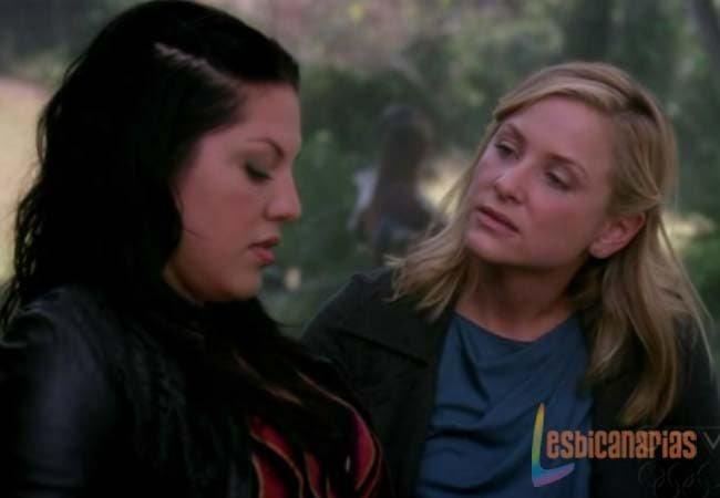 Callie y Arizona platicando
