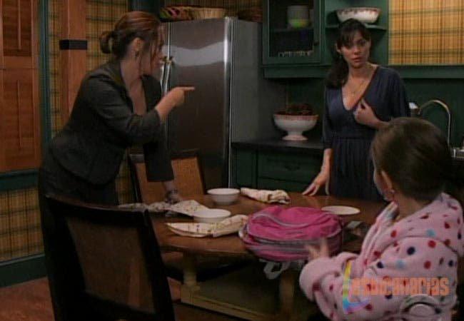 Olivia, Natalia y Emma en la cocina
