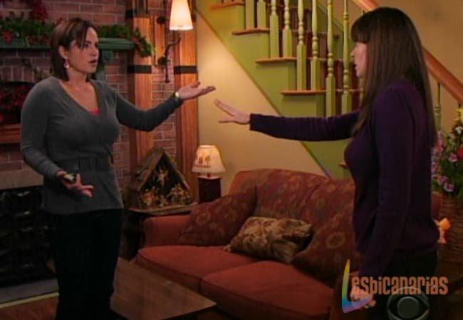 Olivia y Natalia discutiendo