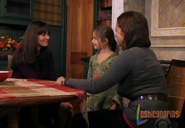 Emma, Natalia y Olivia sonriendo