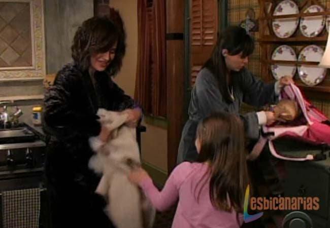 Olivia y Natalia preparando a Emma