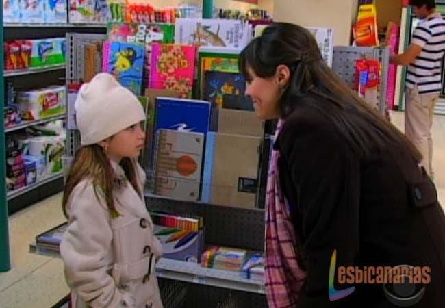 Natalia y Emma de compras en Guiding Light