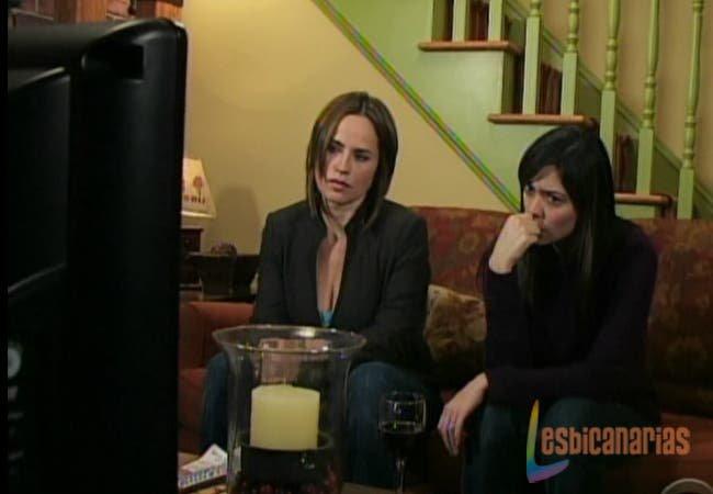 Olivia y Natalia preocupadas
