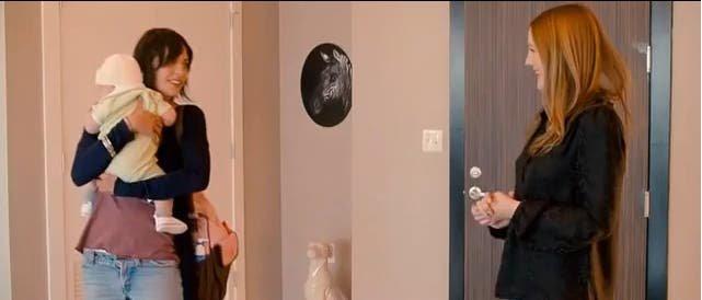Kate Moennig y Drew Barrymore en Everybody is Fine