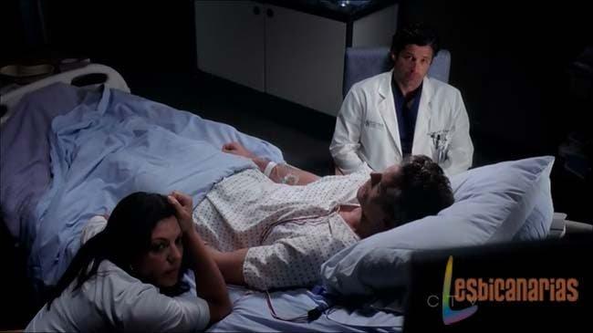 Callie y Derek con Mark muerto