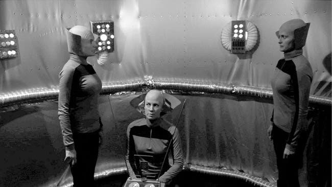 Codependent Lesbian Space  Alien Seeks Same nuestra opinión sobre la película lésbica