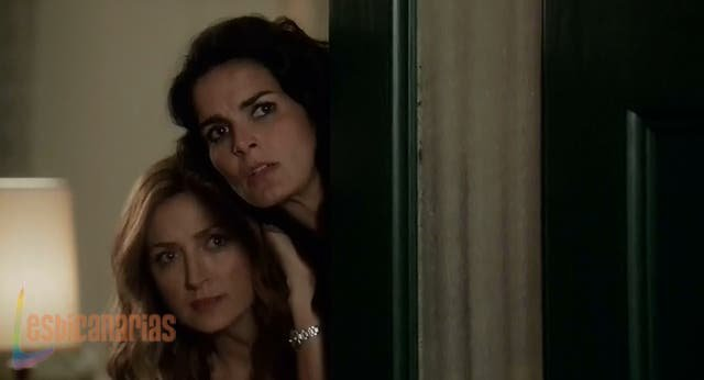 Maura y Jane espiando a mamá Rizzoli