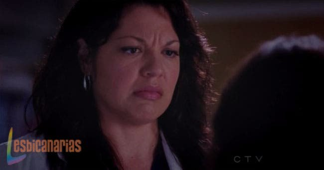 Callie pensando en arena en las partes bajas