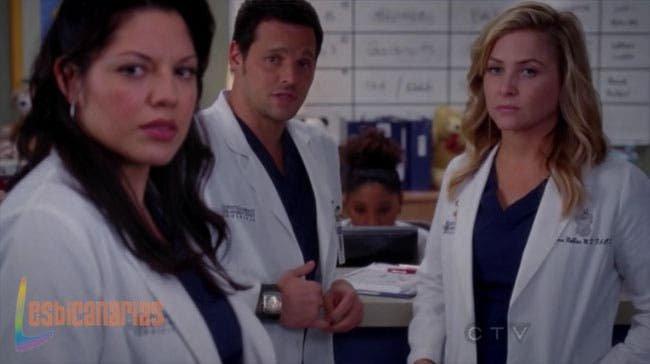 Callie, Alex y Arizona observando a la paciente
