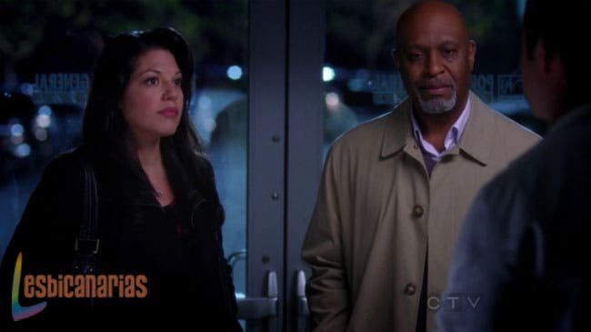 Richard y Callie escuchando