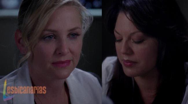 Arizona mira a Callie con amor