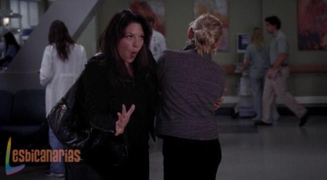 Callie presumiendo el trasero de Arizona