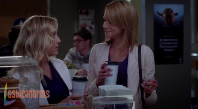 Arizona y Lauren tomando café