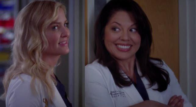 Callie y Arizona hablando con Bailey