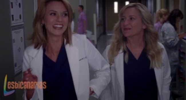 Lauren y Arizona risueñas