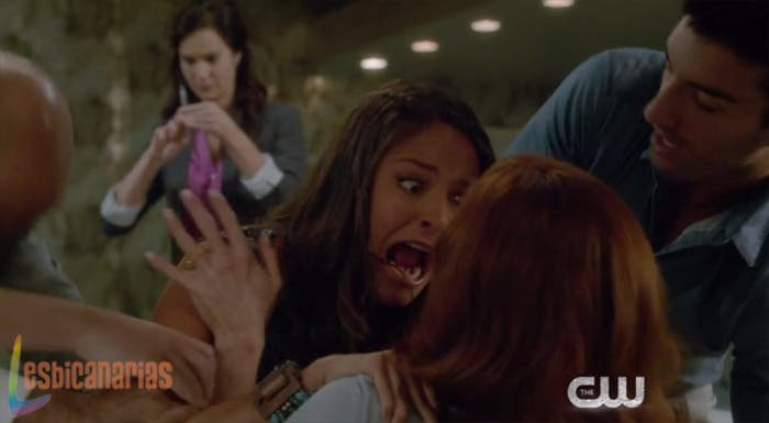 Luisa ataca a Rose