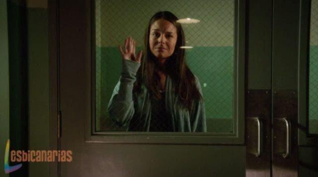 Luisa escapando en Jane The Virgin