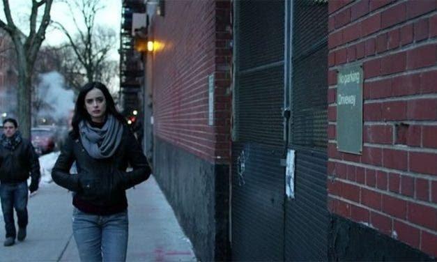 Jessica Jones resumen de episodio 1×01 «Noche de chicas»