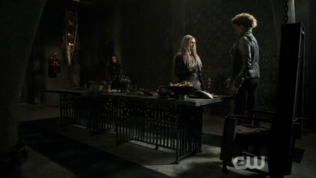 """""""Vengo a arriesgar mi propia vida con tal de que Lexa no muera, pero no porque la quiera ni nada..."""""""