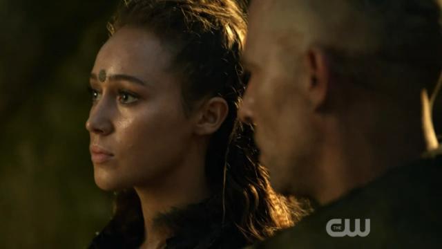 """""""Clarke es especial, es bella, es inteligente, es valiente, es divertida, es sexy, es el amor de mi vida, Titus"""""""