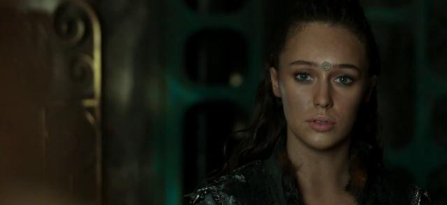 """""""Clarke, siento molestarte, pero tenemos que discutir cosas políticas y románticas"""""""