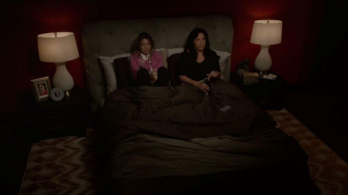 Callie y Meredith bebiendo