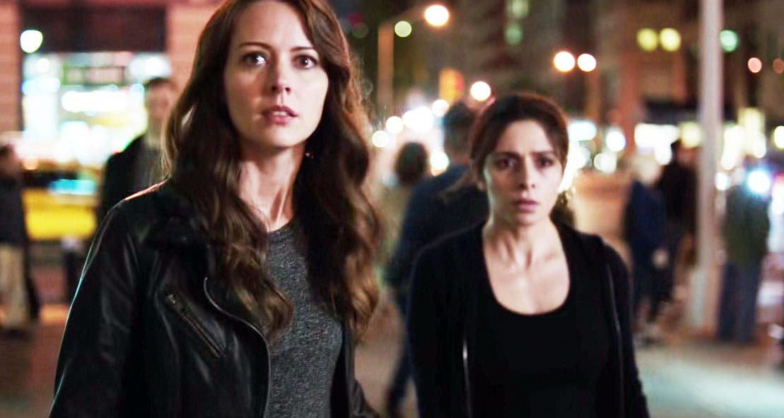 Root y Shaw huyendo