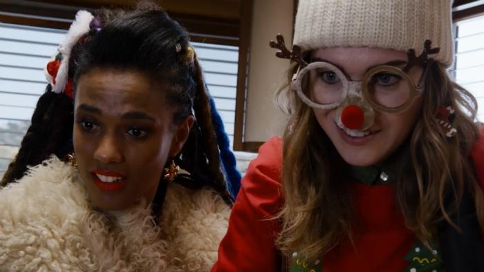 Sense8: Resumen de episodio 2×01 (Especial de Navidad) – Nomi y Amanita