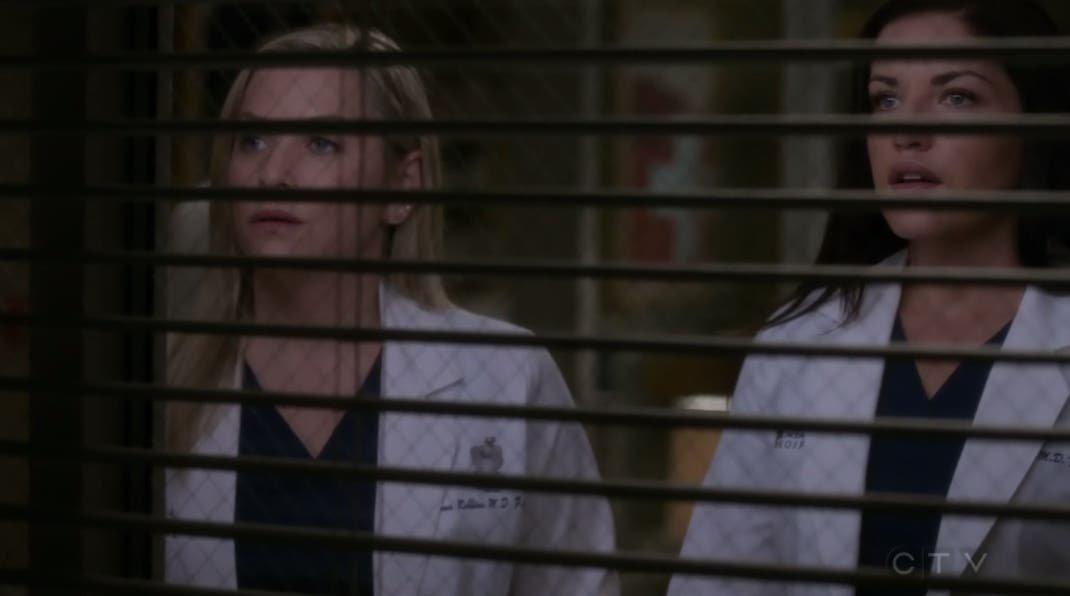 Arizona y Eliza observan