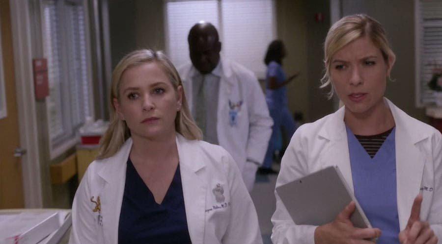 Arizona y Leah hablan de su paciente