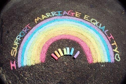 Ley británica no reconoce el adulterio homosexual