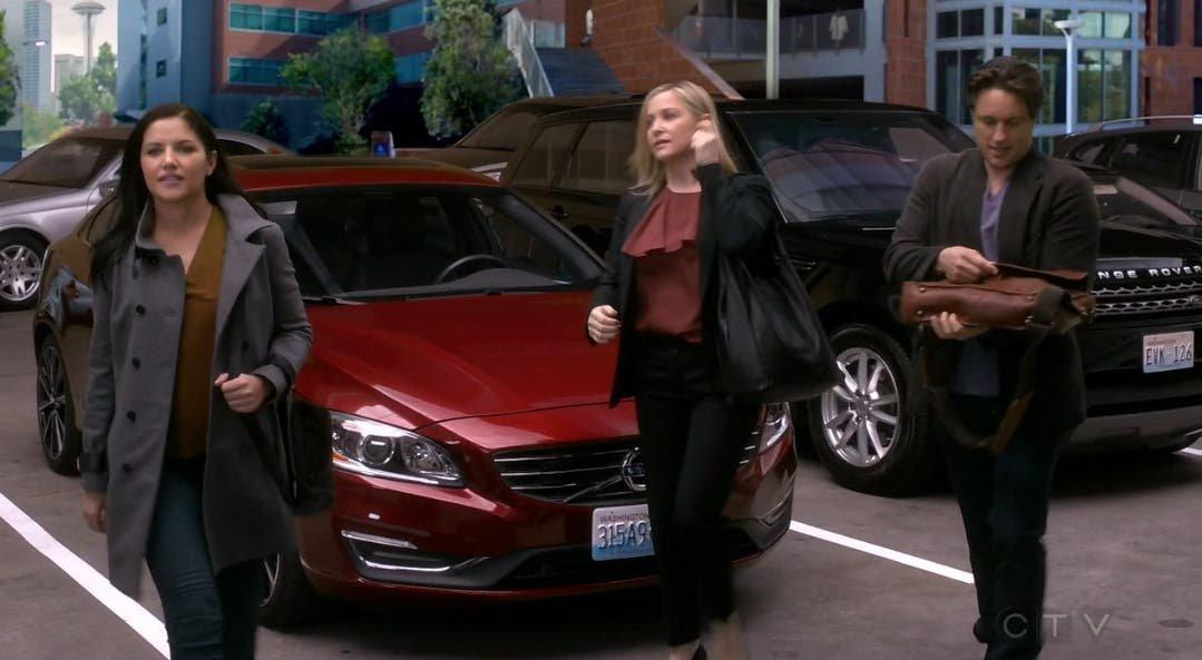 Arizona y Eliza llegando al hospital