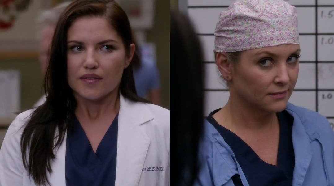 Arizona y Eliza mirándose