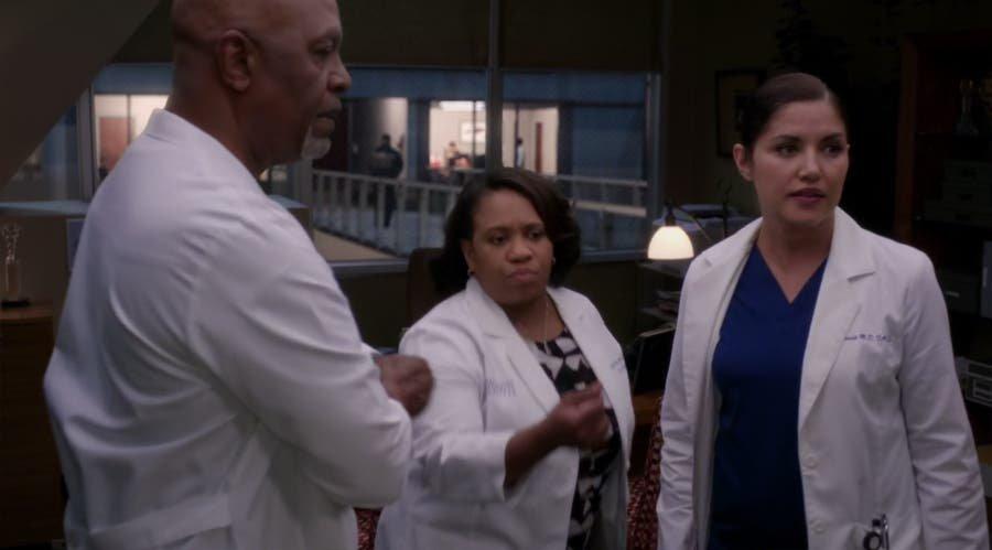 Eliza habla con Bailey y Webber