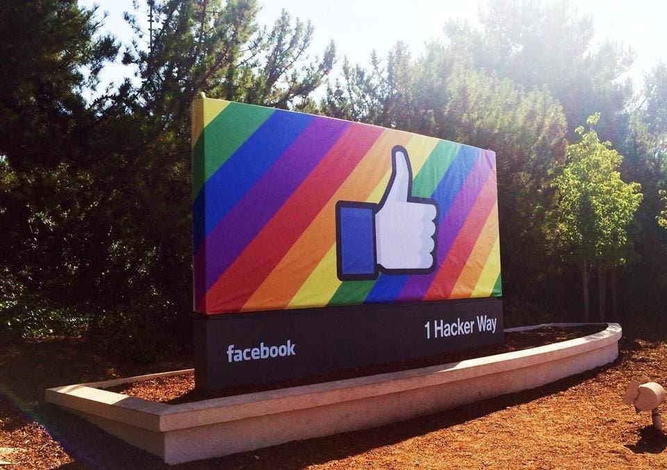 Facebook Orgullo LGBT