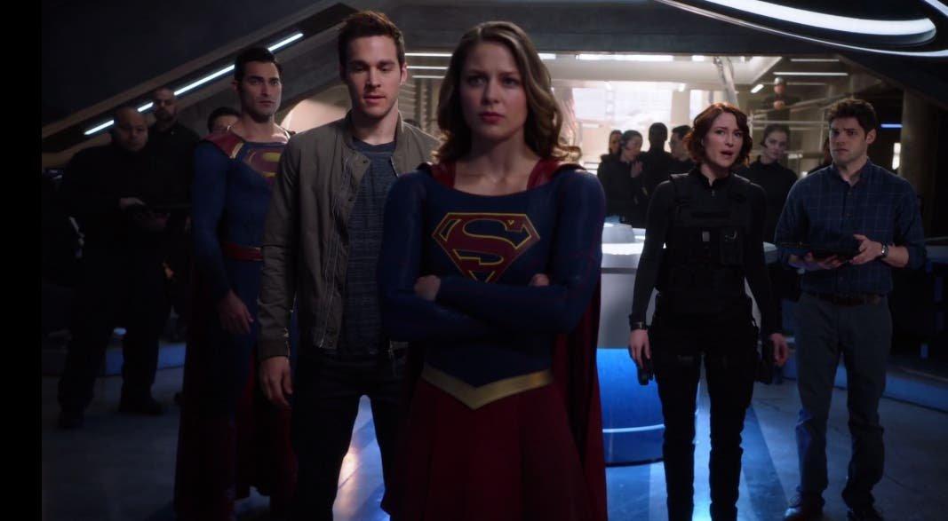 Supergirl lista para la acción