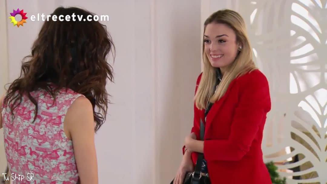 Flor se encuentra con Elena