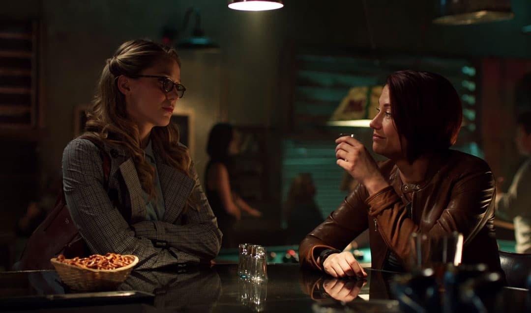 Kara consuela a Alex en supergirl