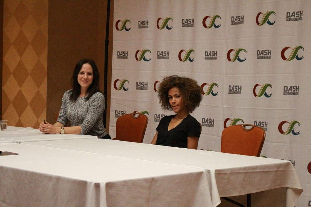 Prensa Lost Girl Clexacon