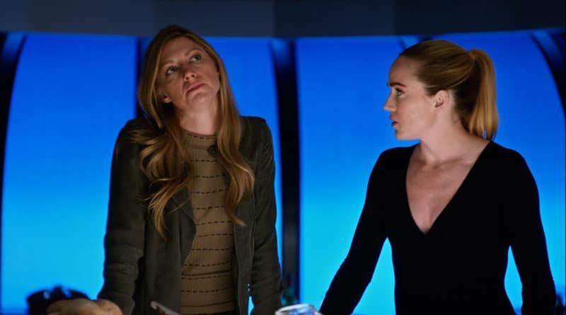 Ava y Sara hablando