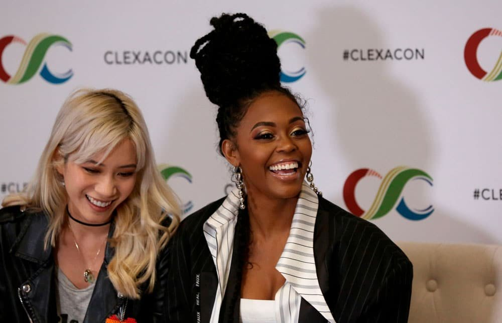 Nafessa Williams y Chantal Thuy en la ClexaCon 2019