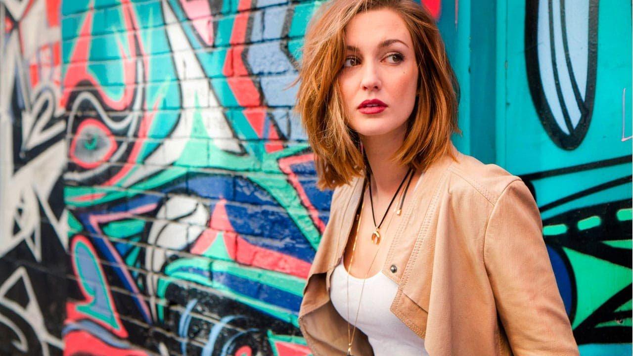 Kat Barrell: Me atraen tanto las mujeres como los hombres