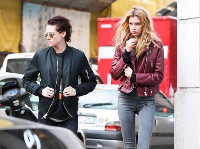 Stella Maxwell y Kristen Stewart